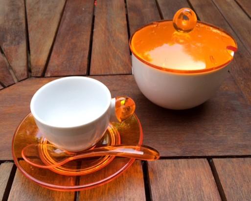 グッチーニのコーヒーカップと砂糖入れ